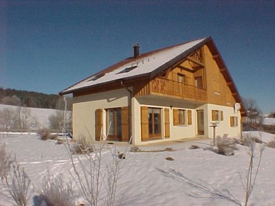 http://prubi.free.fr/images/hiver/maisonneige.jpg
